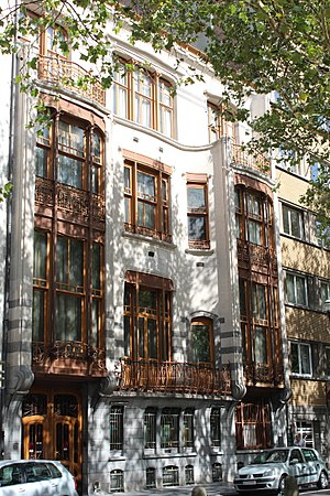 Major town houses of the architect Victor Horta (Brussels) - Image: Avenue Louise 81 Louizalaan Brussels 2012 08