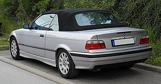 Car model - Image: BMW 320i Cabriolet (E36 2C, Facelift) – Heckansicht, 8. Juni 2011, Wülfrath