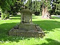 Badly weathered tomb, St Peter's, Bromyard - geograph.org.uk - 807136.jpg