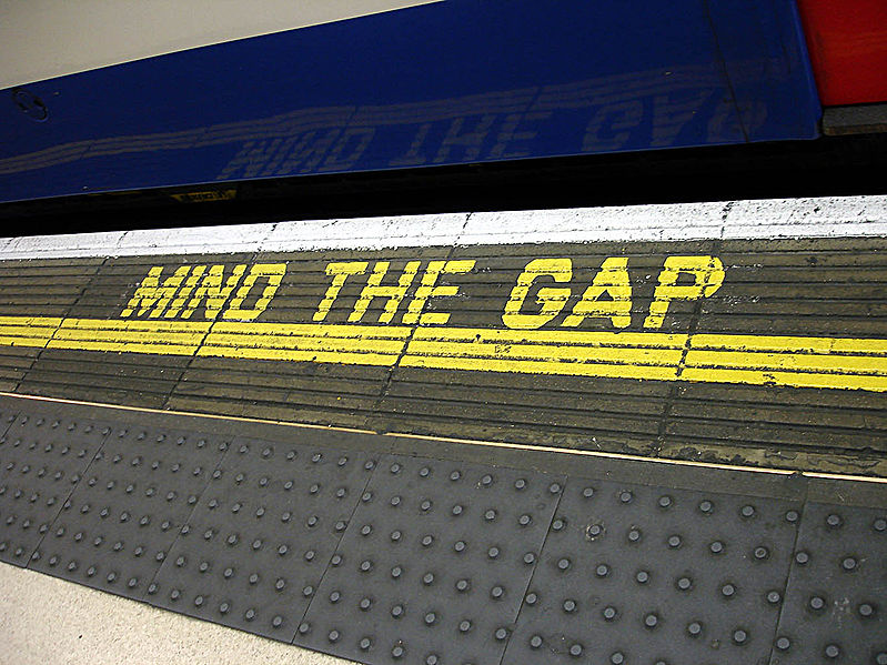 Súbor:Bakerloo line - Waterloo - Mind the gap.jpg
