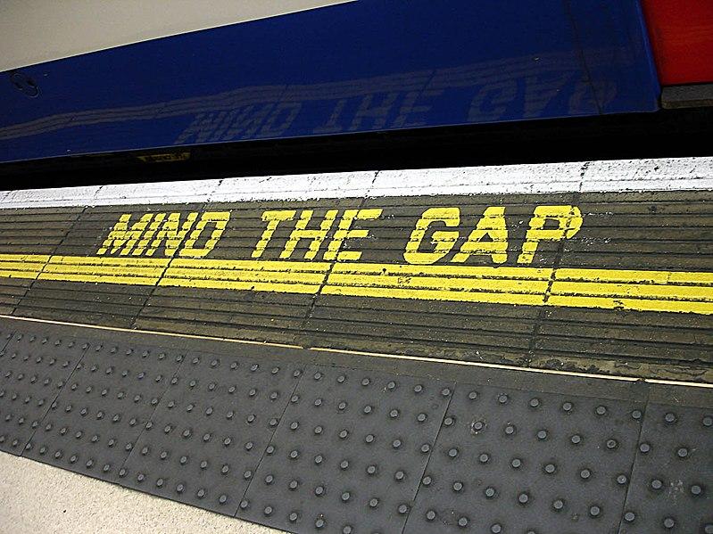 Súbor:Bakerloo line - Waterloo - Mind the gap.jpg