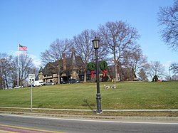 Barrington RI Town Hall in 2008.jpg