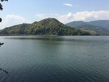 Begnas lake at day time.jpg