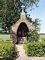 Bemmel (Lingewaard), gedachteniskapel op de heuvel.JPG