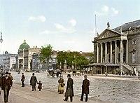 Berlin Opernplatz um 1900.jpg