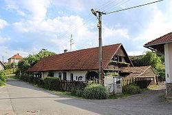 Bernartice (okres Benešov), dům číslo 6 (2).jpg