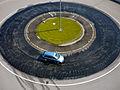 Bewässerte Kreisbahn eines Fahrsicherheitszentrums.jpg