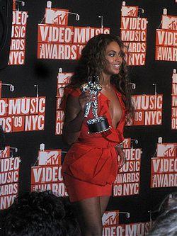 Beyoncé Knowles at 2009 MTV VMA's 2