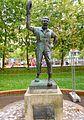 Bilbao - Parque de Doña Casilda Iturrízar, monumento a los payasos Hermanos Tonetti.jpg