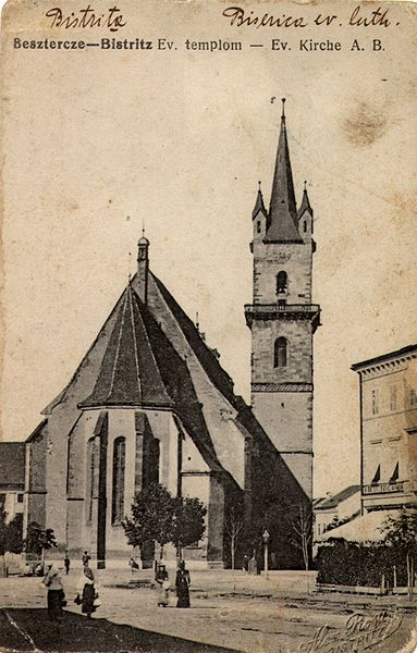 Fișier:Biserica Evanghelică Bistriţa3.jpg