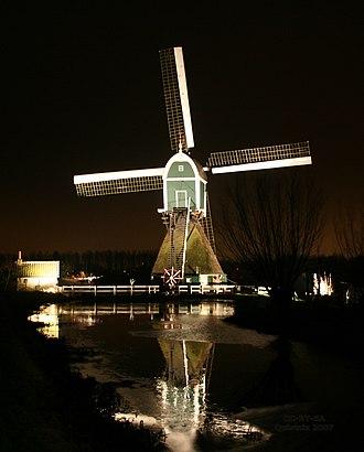 Bleskensgraaf - Image: Bleskensgraaf Wingerdse molen bij nacht