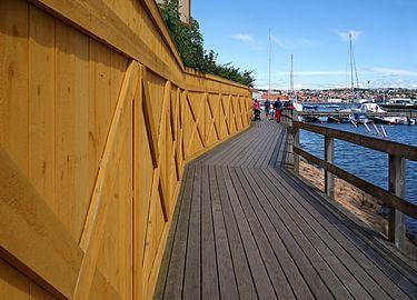 Boardwalk south harbour Lysekil.jpg