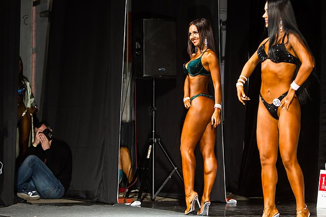 Bodybuilding and fitness bikini open tournament in Kaliningrad (2016-10-16) 06.jpg