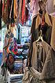 Boutique de vêtements traditionnels.JPG