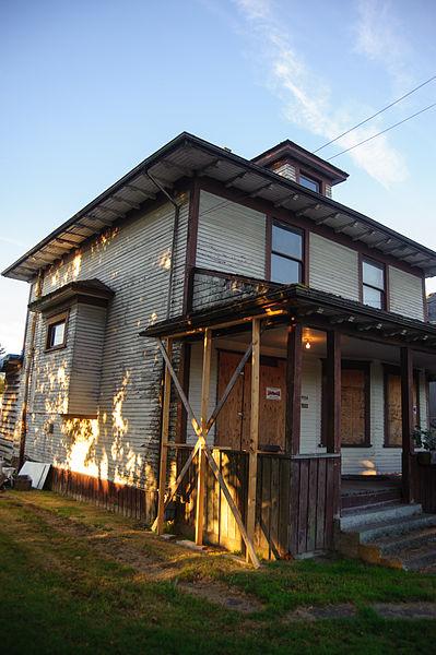 File:Branscombe House - 2.jpg