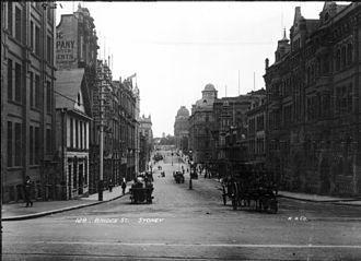 Bridge Street, Sydney - Bridge Street, view east from near George Street ca. 1900