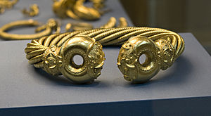 Great Torc from Snettisham - Image: Britishmuseumsnettis hamgreattorc