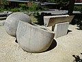 Brunnenanlage, 1966, Schulhaus Gehrenmatt in Arlesheim von Albert Schilling (1904–1987) Bildhauer (4).jpg