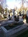 Bucuresti, Romania. Cimitirul Bellu Catolic. Mormantul Compozitorului Dan Iagnov azi 9 Decembrie 2017. A imbracat haina de iarna.jpg