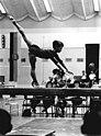 Bundesarchiv Bild 183-G0707-0007-001, Halle, DDR-Meisterschaften im Frauenturnen.jpg