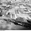 Bundesarchiv Bild 195-1112, Rheinbefliegung, Orsoy.jpg