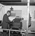 Burgemeesteer Thomassen verrichtte eerste officiele daad, opende tentoonstelling, Bestanddeelnr 917-7012.jpg