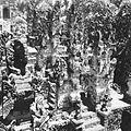 COLLECTIE TROPENMUSEUM Met reliëfs gedecoreerde poort op een tempelcomplex TMnr 60032091.jpg