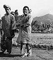 COLLECTIE TROPENMUSEUM Studenten van de Akademi Seni Karawitan Indonesia in traditionele kledij TMnr 20000186.jpg