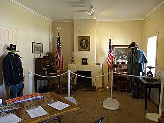 Fort Verde State Historic Park - Image: Camp Verde Fort Camp Verde Administration House Main room 1871