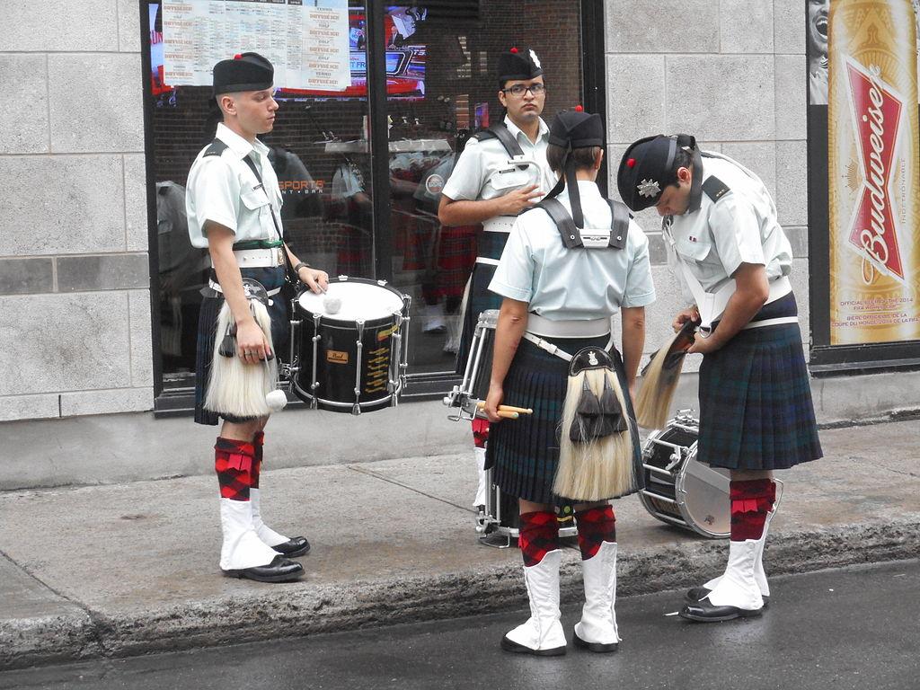 File:Canada Day 2015 on Saint Catherine Street - 025.jpg - Wikimedia
