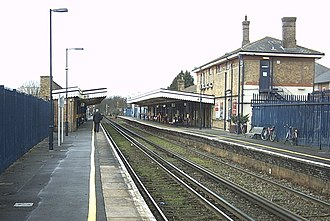 Canterbury East railway station - Image: Canterbury East Platform View 1