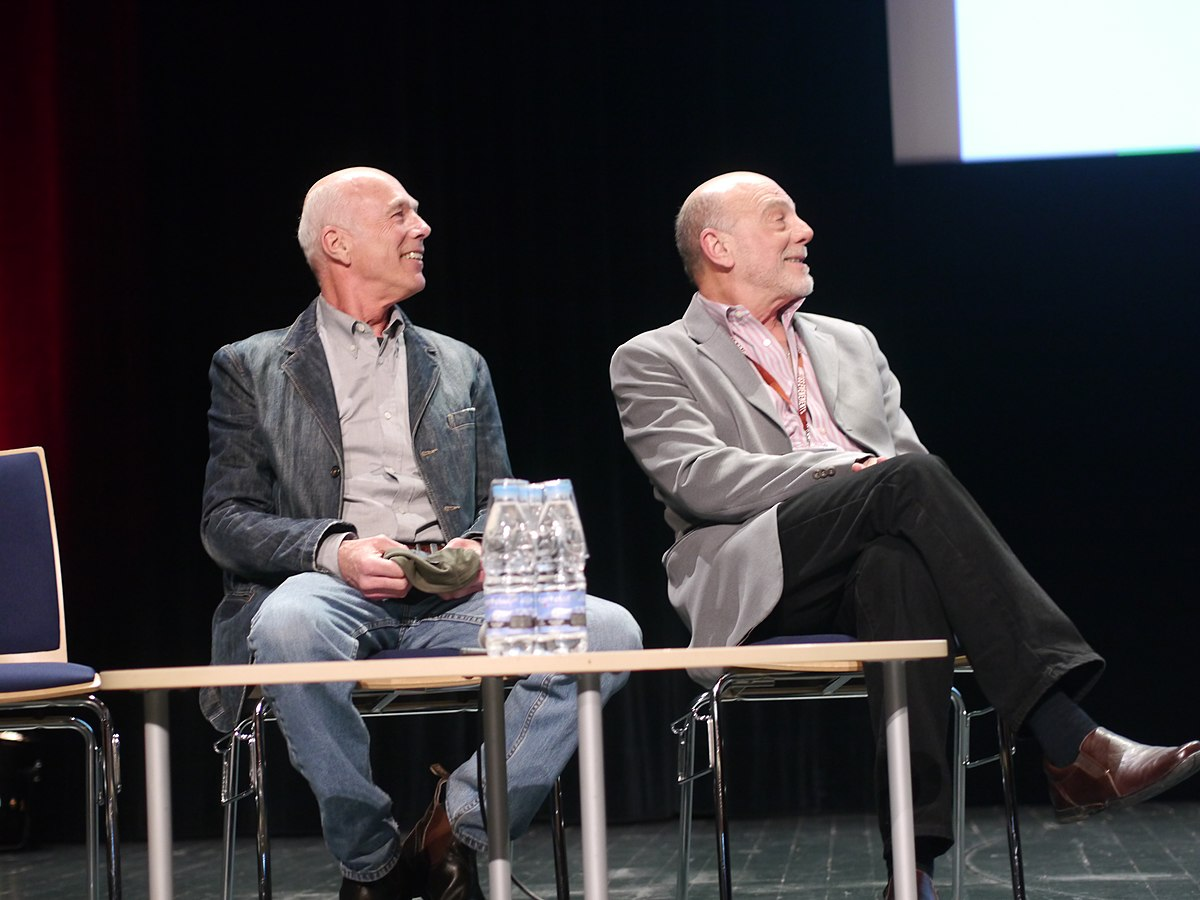File:Carmen Argenziano - Michael Hogan - Conférence Inaugurale ...