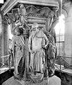 Chartreuse de Champmol (ancienne) - Puits de Moïse - Daniel et Isaïe - Dijon - Médiathèque de l'architecture et du patrimoine - APMH00020848.jpg