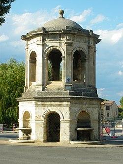 Chateau d'eau 1745.JPG