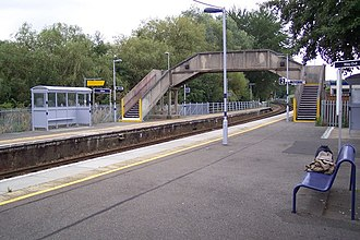 Chilham railway station - Image: Chilham railway station platforms and footbridge in 2009