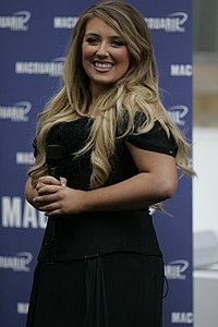 Chloë Agnew at Macquarie Shopping Centre, Sydney.jpg