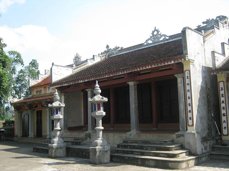 Một góc chùa Bà Ngô