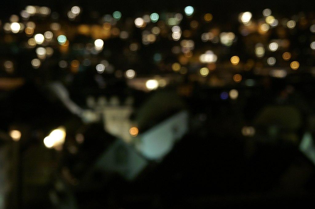 https://commons.wikimedia.org/wiki/File:City_lights_blurred.JPG