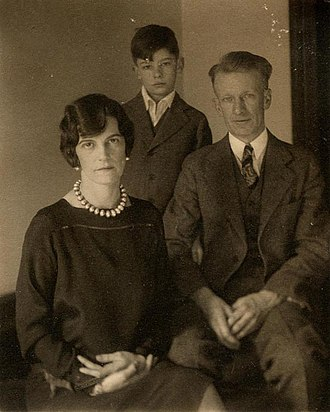 Charles James Martin (artist) - Charles J. Martin with wife Esther and son James, circa late 1920s