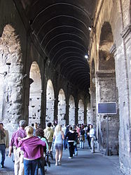 Colosseum (Rome) 9.jpg