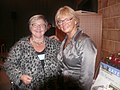 Connie Hermansen fra Kolding hilser på Pia Kjærsgaard (7992086965).jpg