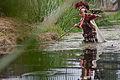Décimo Xunio Bruto atravesa o río.jpg