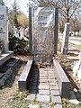 Déry Tibor sírja.jpg