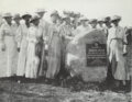 DAR (1918) - Boulder erected by the Abraham Lincoln Chapter (Lincoln, Illinois).png