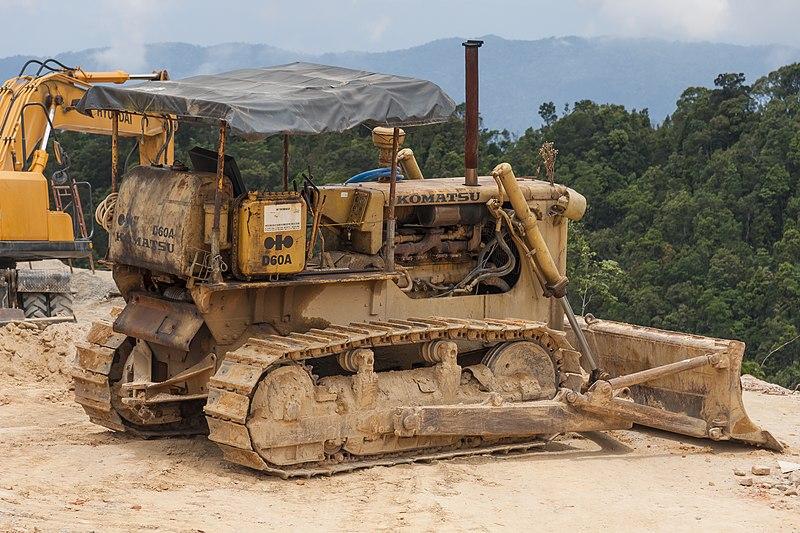 File:Da-Nang Vietnam KOMATSU-D60A-bulldozer-01.jpg