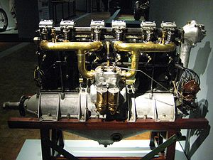 Inline engine (aeronautics) - A Mercedes D.II inline engine on display