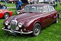 Daimler V8-250 Capesthorne Hall (1968).jpg