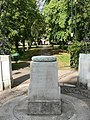 Dame Henrietta Barnett memorial, Hampstead Garden Suburb, London NW11.jpg