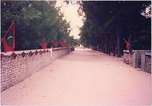 Dharavandhoo - Image: Dharavandhoo Main Road in 90s