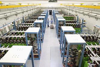 Helmholtz-Zentrum Dresden-Rossendorf - Dresden High Magnetic Field Laboratory
